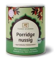 Starten Sie doch einmal mit einem cremig-nussigen Porridge von Classic Ayurveda